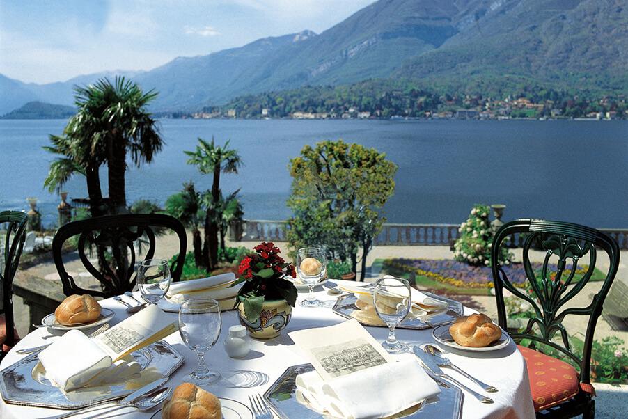 Breakfast-Lake-Como-terrace-Grand-Hotel-Serbelloni