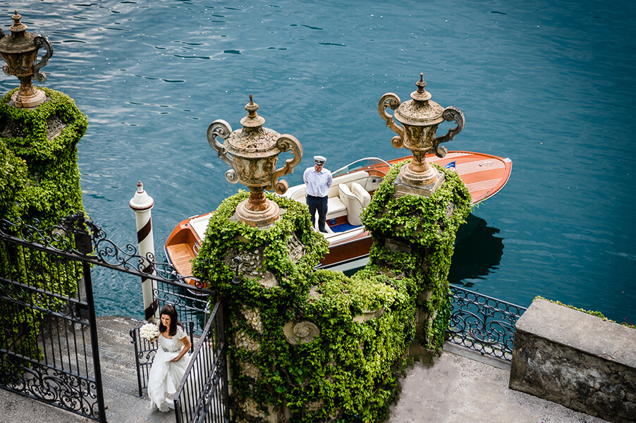 Villa-Balbianello-wedding-access-gate-lake-arrive-boat