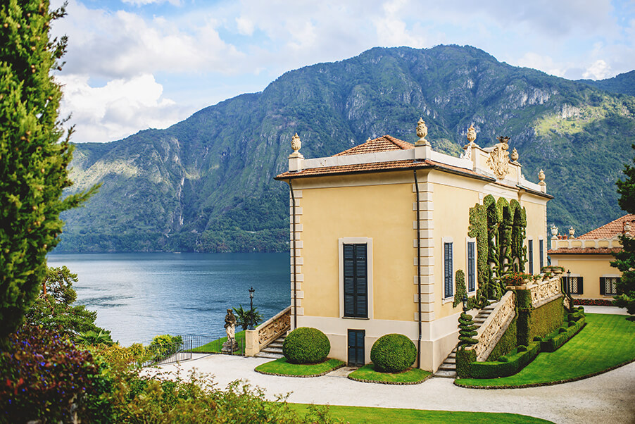 Villa-Balbianello-wedding-ceremony-terrace-lake-como