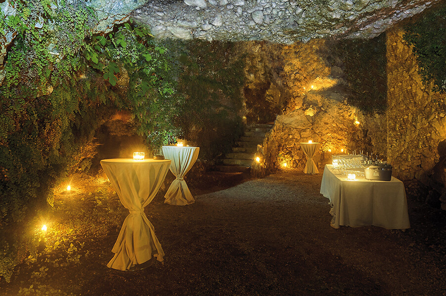 villa-lario-wedding-venue-with-cave-aperativo-romantic