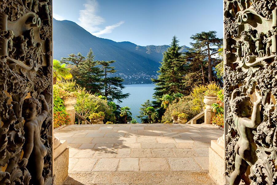 Villa-Passalaqua-wedding-venue-view-of-Lake-Como-from-front-door