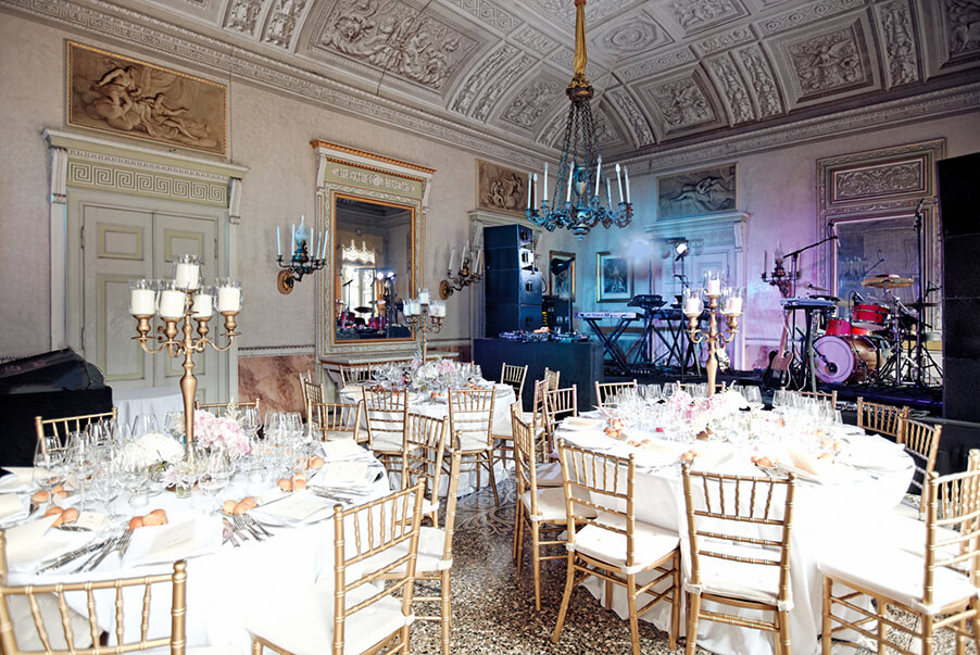 Dining-room-dinner-band-Lake-Como-wedding-venue-Villa-Pizzo