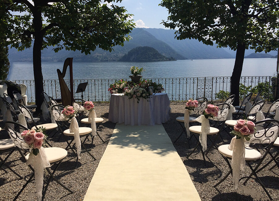 Wedding-ceremony-terrace-Villa-Cipressi-Lake-Como-wedding-venue