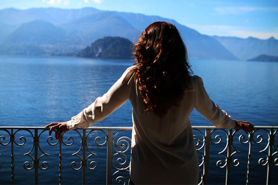 Gemma-Aurelius-Lake-Como-wedding-planner-balcony-views