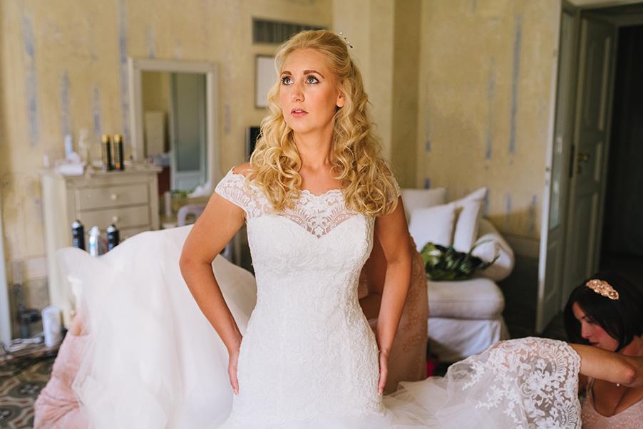 Bride-getting-ready-at-Villa-Teodolinda-Lake-Como-wedding-venue
