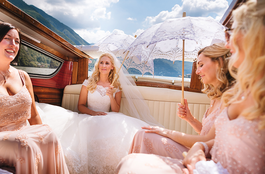 Bride-and-Bridesmaids-on-the-speed-boat-heading-to-Villa-Balbianello