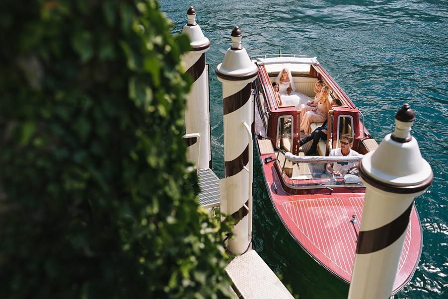 Bride-arrives-at-Villa-Balbianello-from-Villa-Teodolinda-Lake-Como