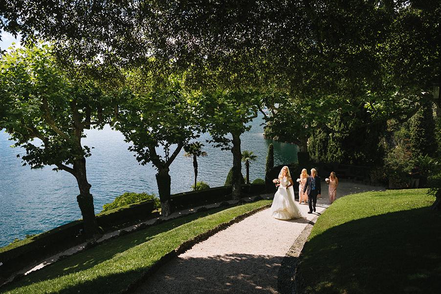 Bride-makes-her-way-to-her-wedding-ceremony-at-Villa-Balbianello-Lake-Como