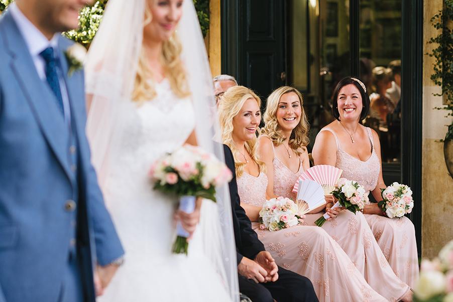 bridesmaids-at-the-wedding-ceremony-at-villa-balbianello-lake-como