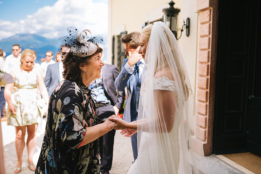Bride-and-her-mother-at-Villa-Balbianello-wedding