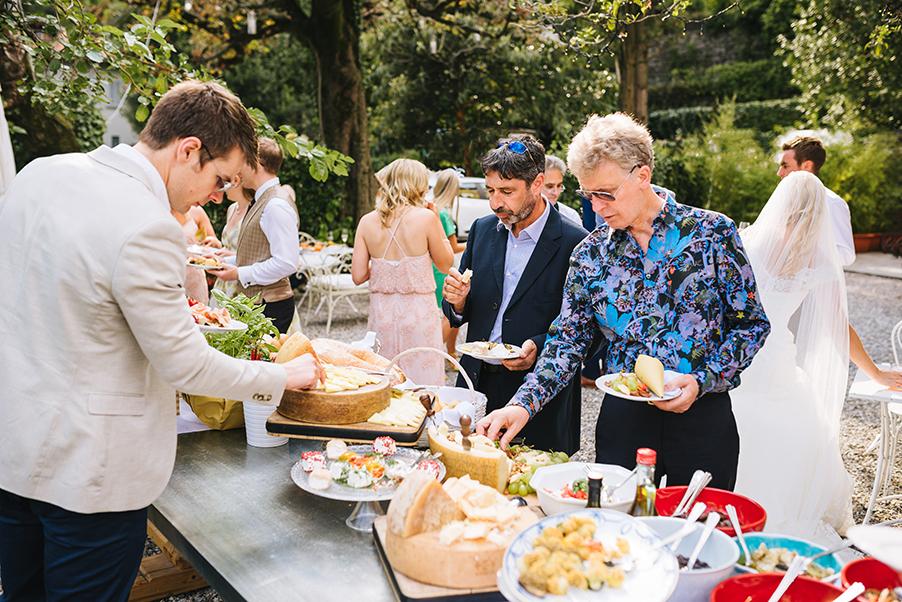 Wedding-aperitivo-food-and-drink-at-Villa-Teodolinda-on-Lake-Como