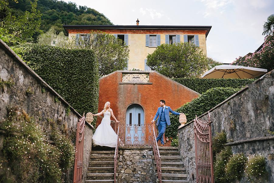 Gemma-and-Mike-wedding-photographs-in-the-villa-gardens-at-Villa-Teodolinda