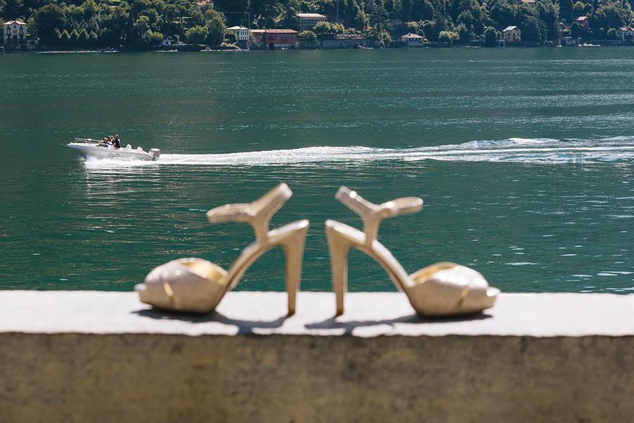 Wedding-Shouts-on-the-wall-at-Villa-Teodolinda-Lake-Como-wedding-venue