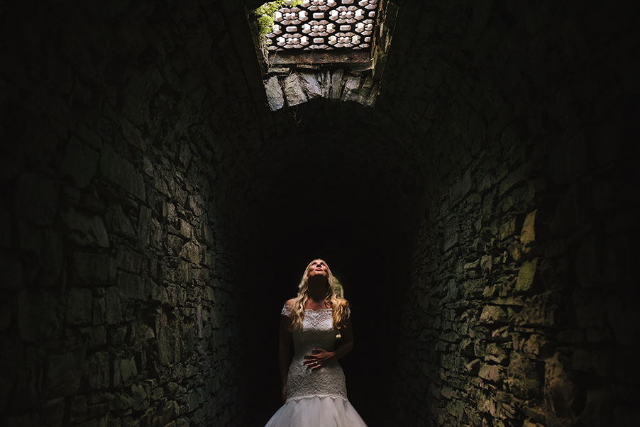 Bride-photoshoot-Lake-Como-at-Villa-Teodolinda