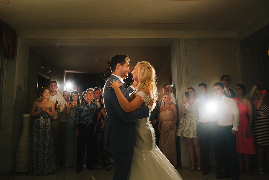 Gemma-and-Mike-first-wedding-dance-at-Villa-Teodolinda