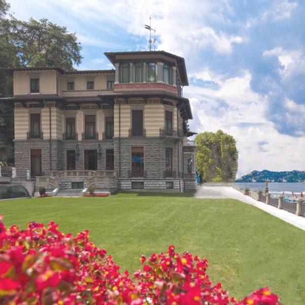 Casta-Diva-resort-and-spa-lakeside-wedding-venue-on-Lake-Como