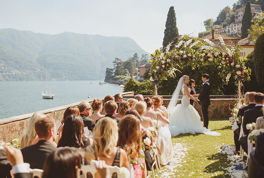 outdoor-wedding-ceremony-at-villa-regina-teodolinda-on-lake-como-wedding-by-my-lake-como-wedding