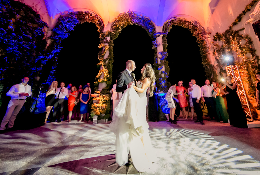 Villa-Balbianello-dancing-in-the-Loggia-Durini-arch-terrace-wedding-planner-My-Lake-Como-Wedding-Gemma-Aurelius