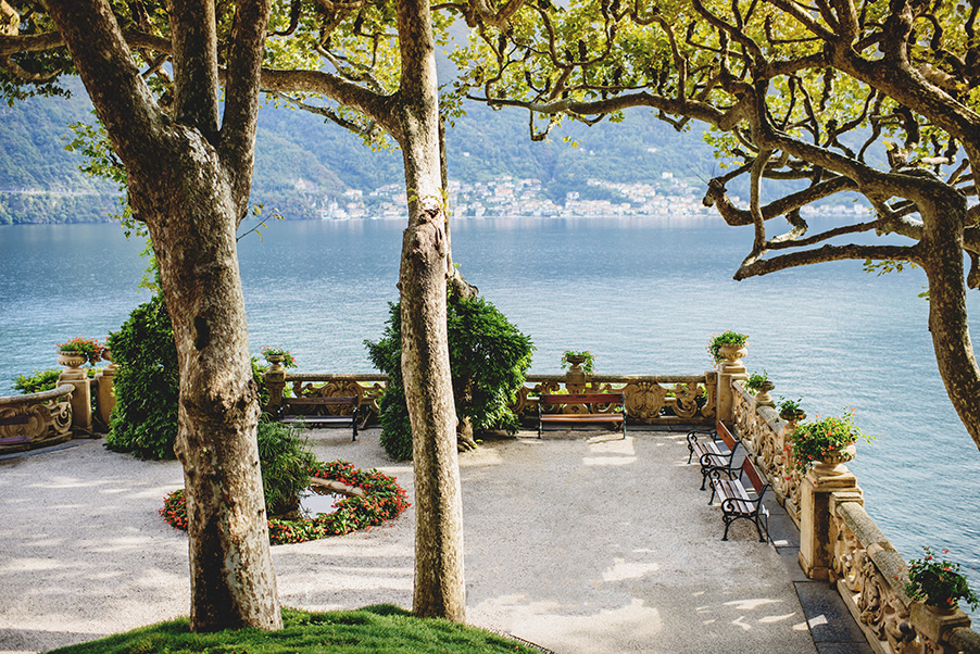 Villa-Balbianello-terrace-lake-view-Lake-Como-wedding-venue
