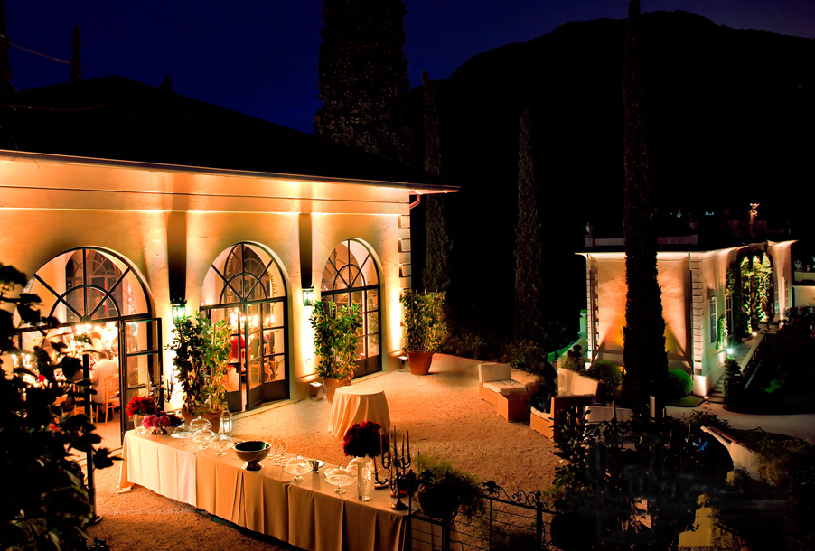 Villa-Balbianello-wedding-reception-outdoor-terrace-area-Loggia-Segre