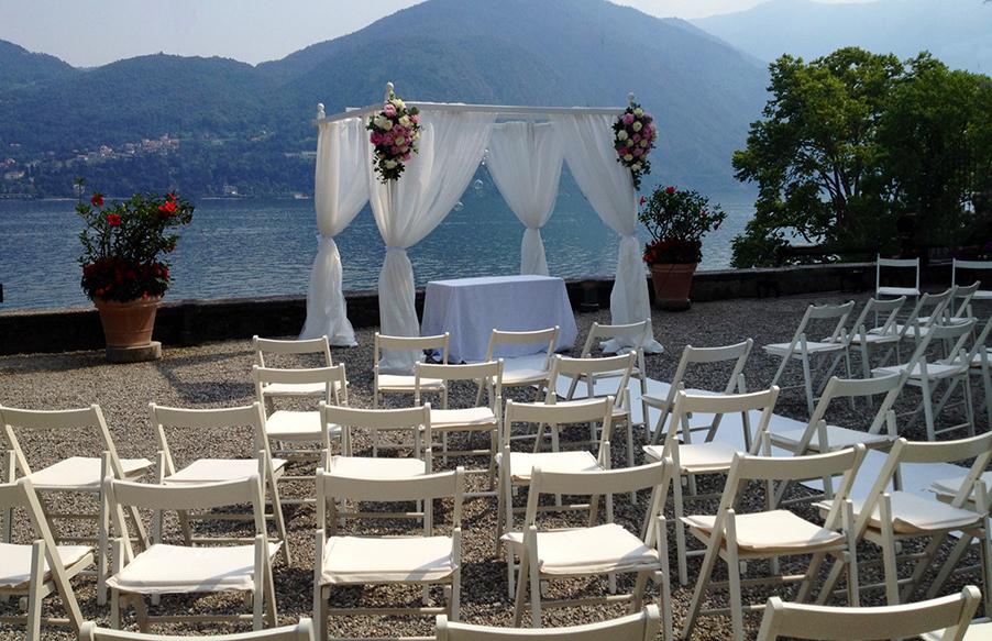 Villa-Carlotta-Lake-Como-wedding-ceremony-terrace-with-chuppah
