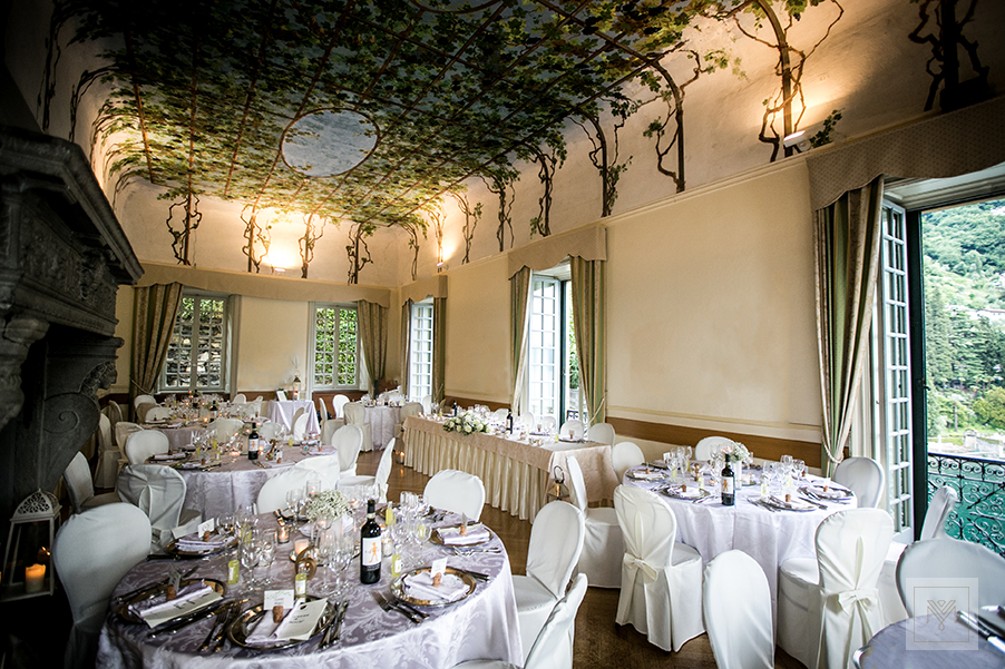 villa-cipressi-lake-como-wedding-venue-indoor-dining-room