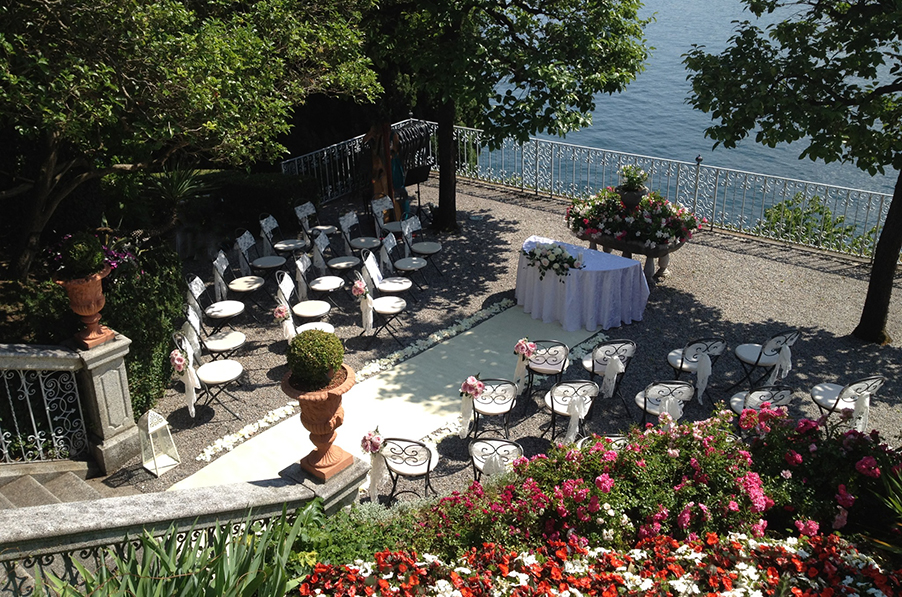 Villa-Cipressi-wedding-ceremony-terrace-in-front-of-Lake-Como