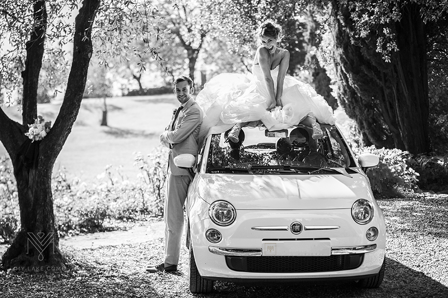 Bride-groom-photoshoot-with-Fiat-500-car-on-Lake-Como