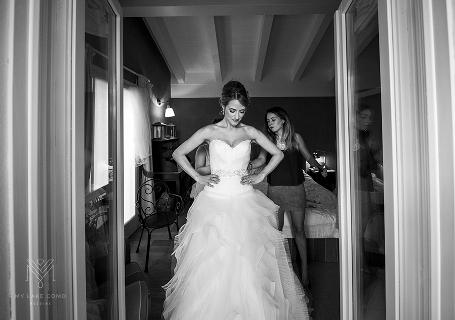 Wedding-peperation-on-Lake-Como-bride-in-wedding-dress