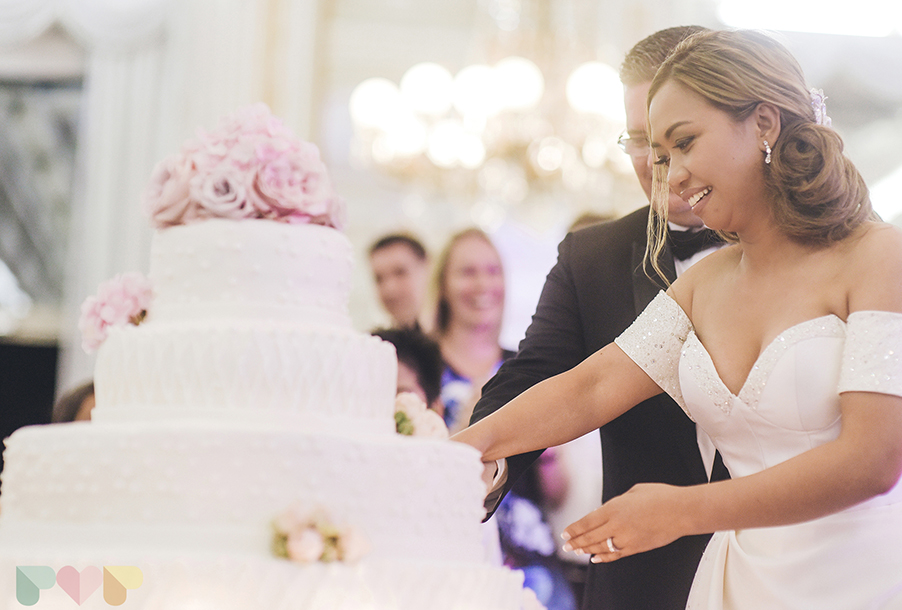 bride-and-groom-cut-the-beautiful-wedding-cake-at-italy-wedding-by-my-lake-como-wedding