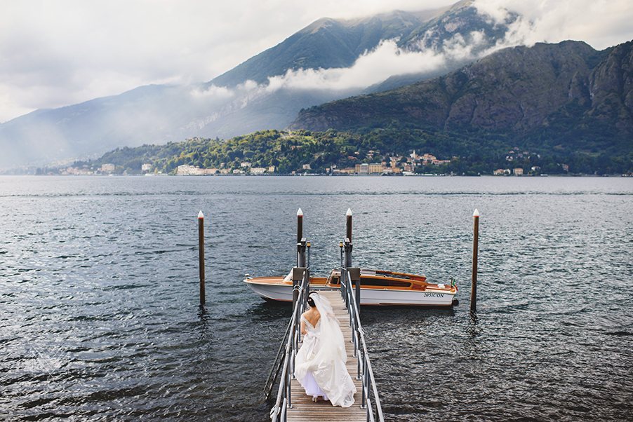 Bride-on-Lake-Como-with-speed-boat-at-Hotel-Serbelloni