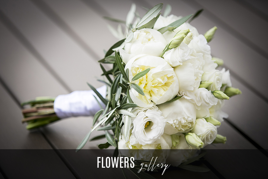 Flower-gallery-Lake-Como-wedding-flower-bouquets-and-displays
