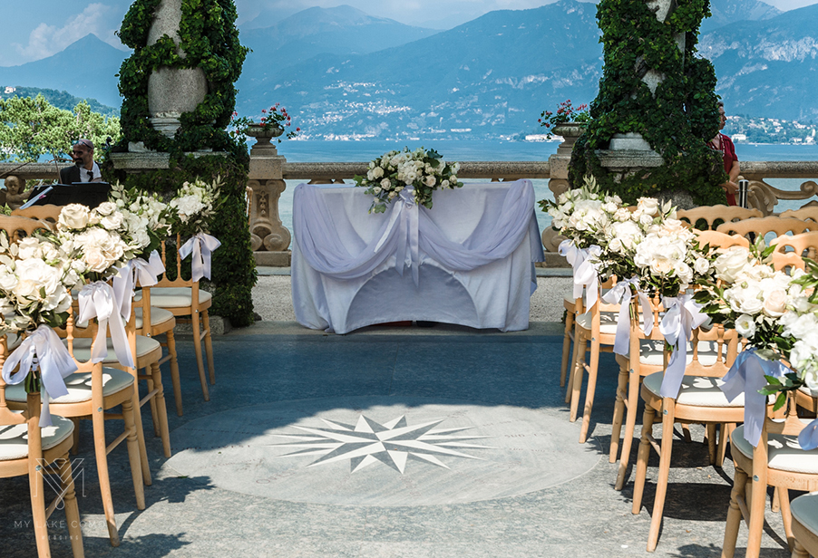 Lake-Como-Villa-Balbianello-ceremony-chiar-and-table-flowers