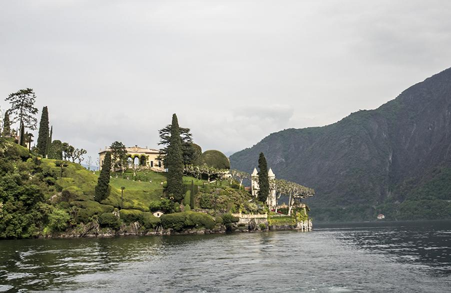 Villa-Balbianello-seen-from-Lake-Como-in-Italy-wedding-venue