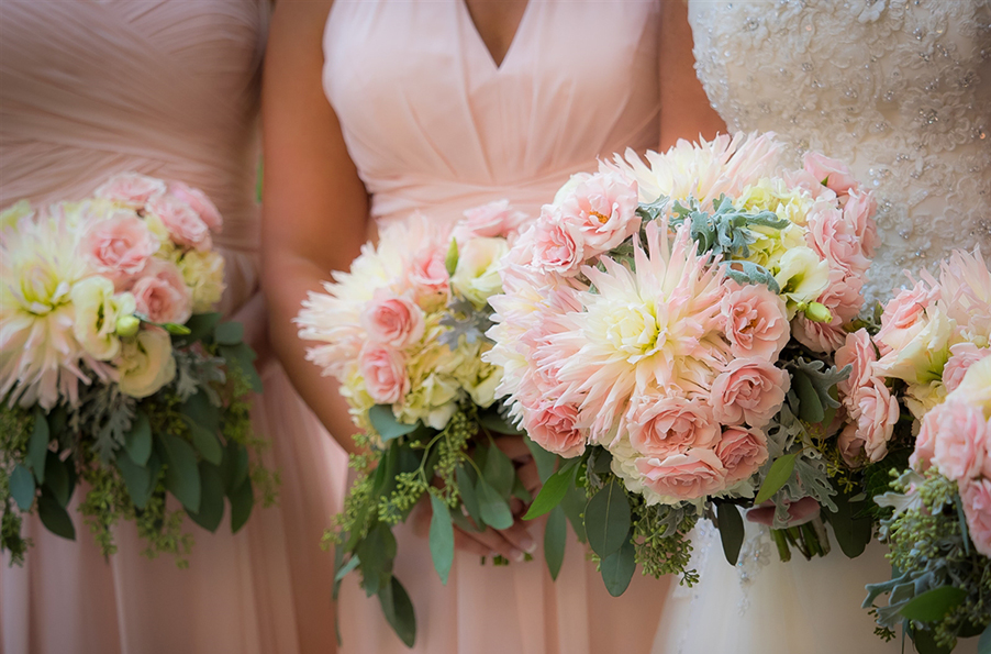 Coral-and-white-dahlia-wedding-bouquet