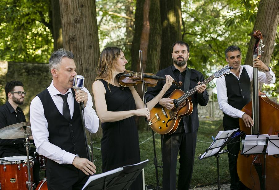 Jazz-musicians-at-Lake-Como-wedding-at-Villa-Balbianello