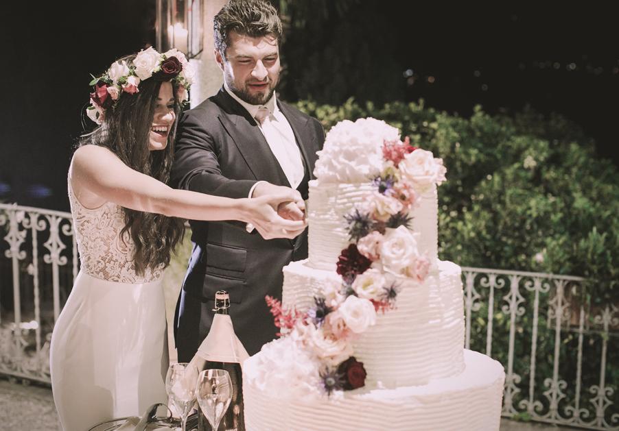 Wedding-cake-Lake-Como-VIlla-Cipressi-bride-and-groom