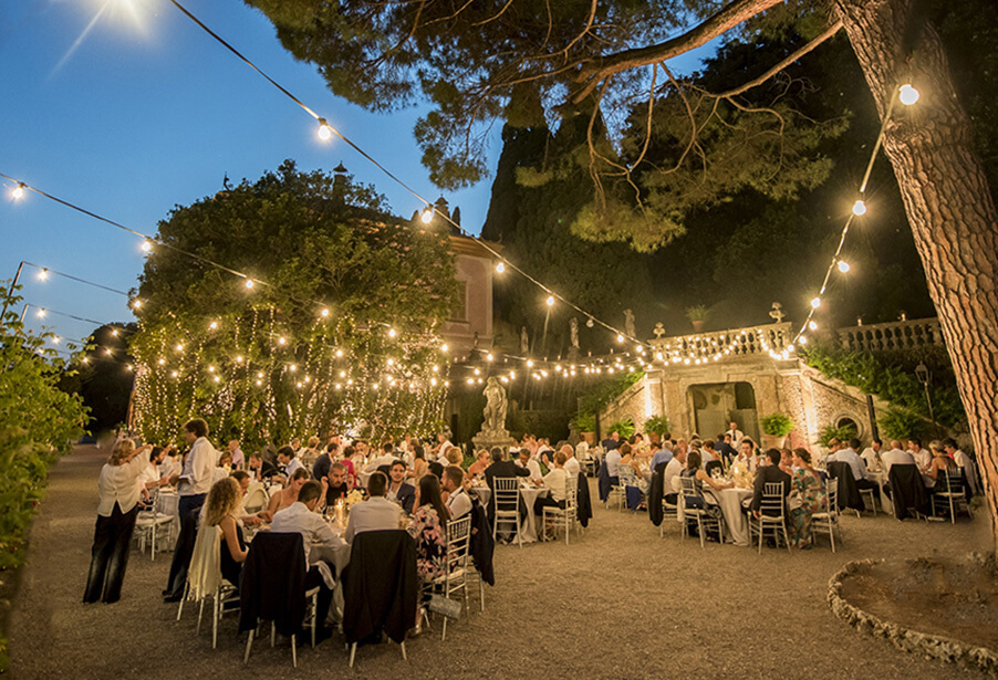 festival-lighting-at-italian-villa-wedding-dinner-by-blunotte-now-working-with-my-lake-como-wedding