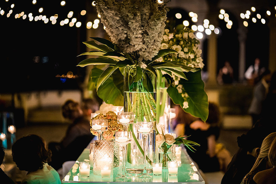 Flower-decoration-and-lighting-for-Lake-Como-wedding