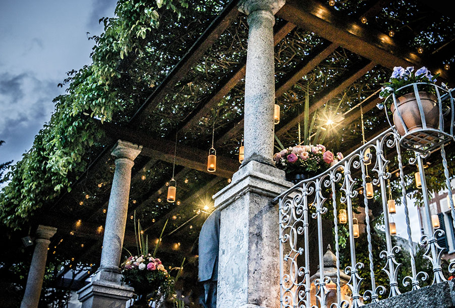 romantic-lantern-and-candle-lights-for-a-wedding-by-my-lake-como-wedding