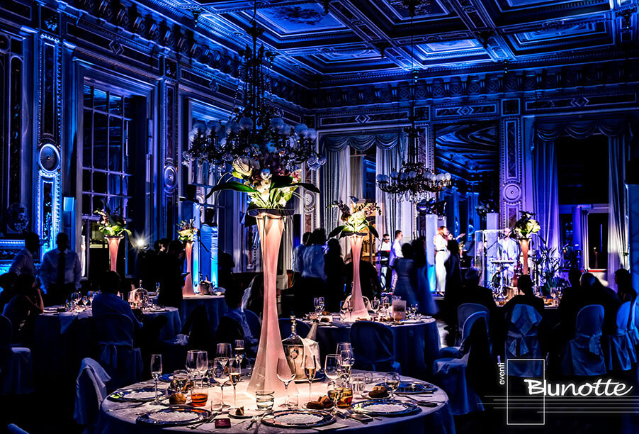 wedding-dining-room-lighting-effects-by-blunotte-now-working-with-my-lake-como-wedding