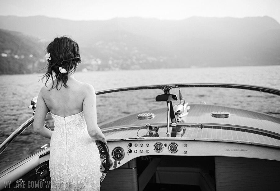 bride-wedding-photo-on-italian-rive-speed-boat-service-by-wedding-planner-my-lake-como-wedding
