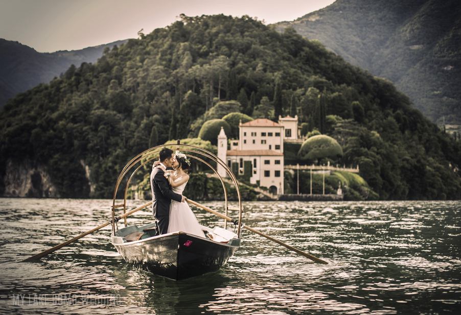 Lake-Como-wedding-Lucia-row-boat-for-brdie-and-grrom-on-wedding-day-and-photo-shoot