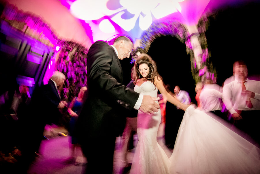 Lake-Como-wedding-dancing-by-My-Lake-Como-Wedding-planner