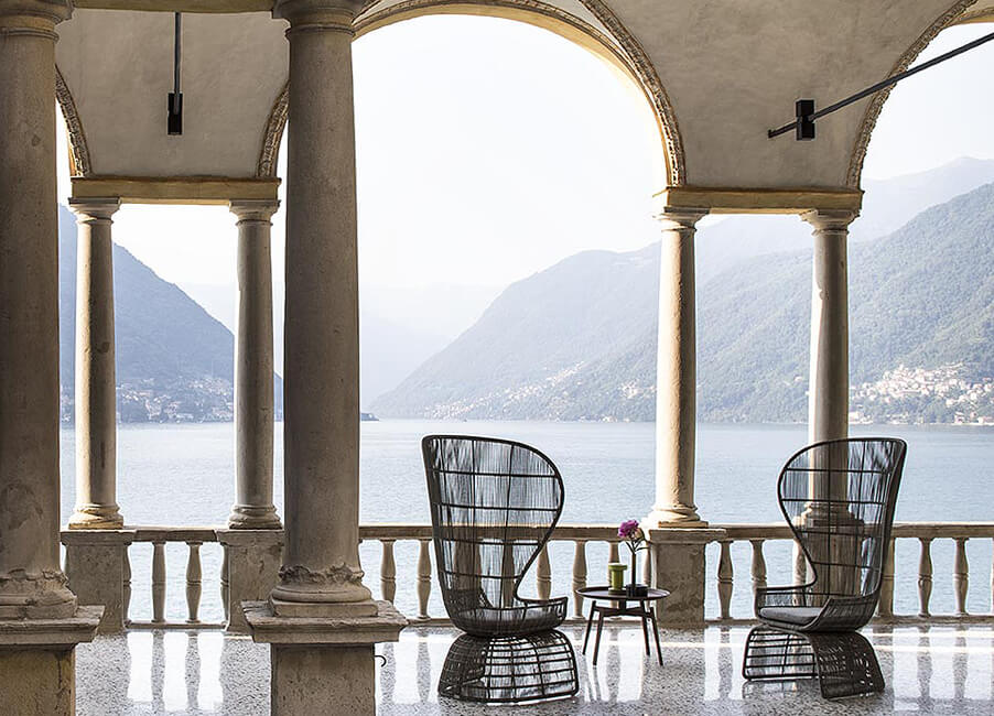 Villa-Pliniana-wedding-venue-on-Lake-Como-relax-with-these-beautiful-views