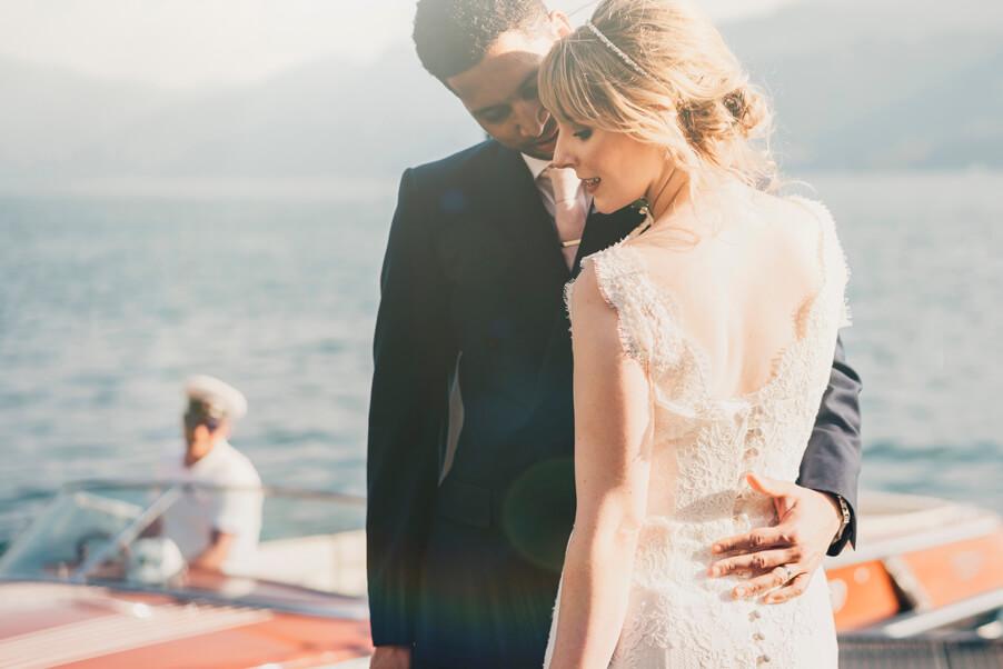 Beautiful-dreamy-wedding-photo-of-bride-and-groom-on-Lake-Como-wedding-planner-My-Lake-Como-Wedding