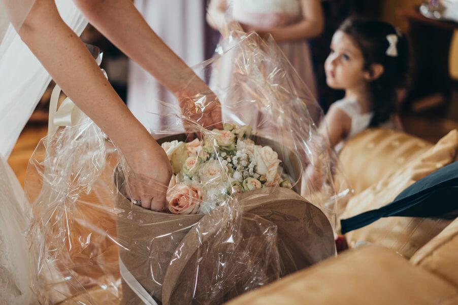 Bridal-bouquet-at-villa-on-Lake-Como-wedding-planner-My-Lake-Como-Wedding
