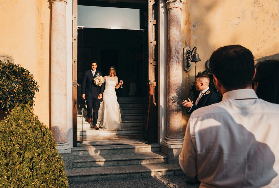 Bride-and-groom-arrive-at-Villa-Cipressi-in-Varenna-for-their-wedding-arranged-by-My-Lake-Como-Wedding