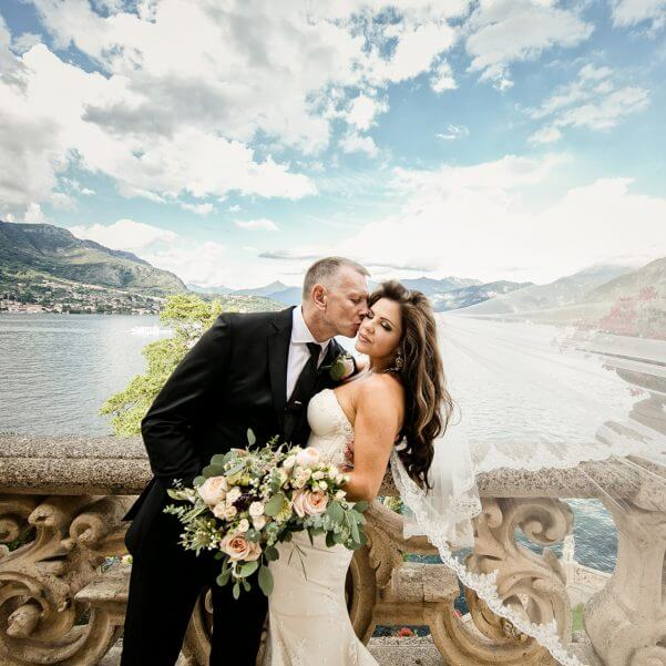 Destination-wedding-picture-of-Bride-and-Groom-at-Villa-Balbianello-close-up