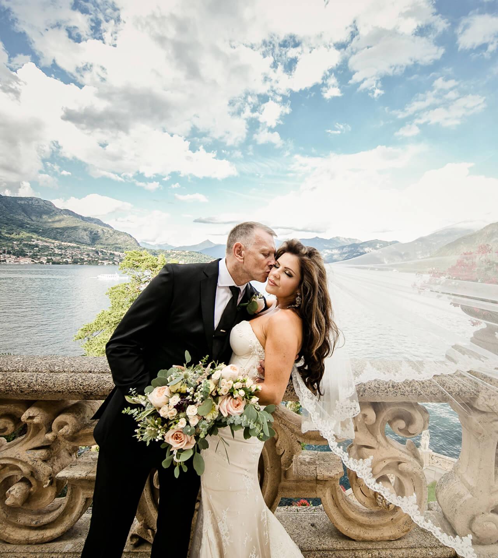 Destination-wedding-picture-of-Bride-and-Groom-at-Villa-Balbianello-close-up
